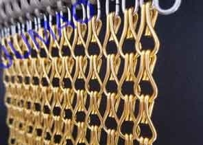 China 10mm × 24mm Metal Chain Link Curtains Golden String For Wall Coverings supplier